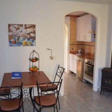Strandhaus Mallorca Ferienhaus Essbereich und Kamin
